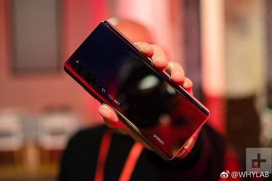 Huawei P30 live pics leak nicely ahead of release